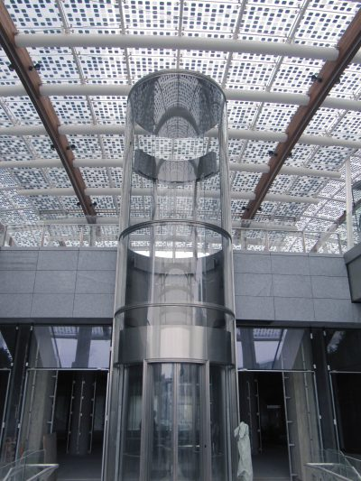 ascensore-vetro-interno-palazzo